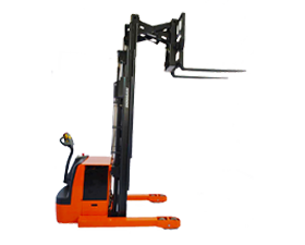 Doosan Reach Stacker